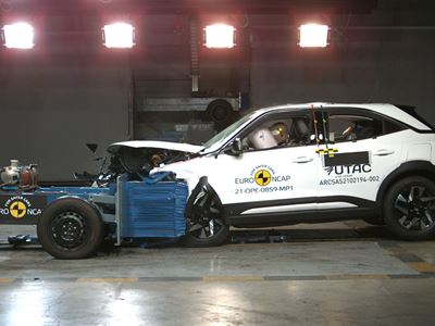 Opel/Vauxhall Mokka - Mobile Progressive Deformable Barrier test 2021