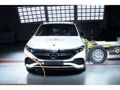 Mercedes-EQ EQA - Side crash test 2019