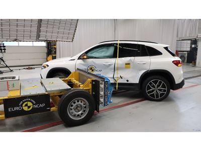 Mercedes-EQ EQA - Side crash test 2019 - after crash
