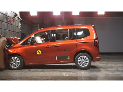 Renault Kangoo - Full Width Rigid Barrier test 2021