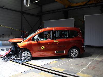 Renault Kangoo - Mobile Progressive Deformable Barrier test 2021 - after crash