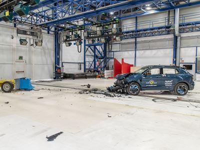 Lynk & Co 01 - Mobile Progressive Deformable Barrier test 2021 - after crash