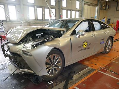 Toyota Mirai - Full Width Rigid Barrier test 2021 - after crash