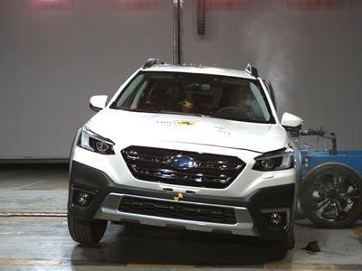 Subaru Outback - Side Mobile Barrier test 2021