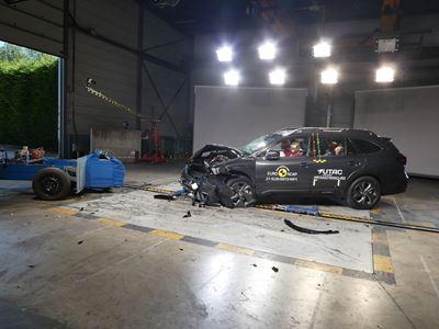 Subaru Outback - Mobile Progressive Deformable Barrier test 2021 - after crash