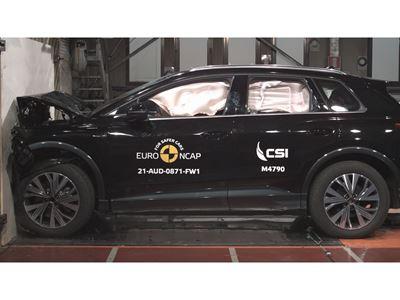 Audi Q4 e-tron - Full Width Rigid Barrier test 2021
