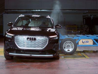 Audi Q4 e-tron - Side Mobile Barrier test 2021