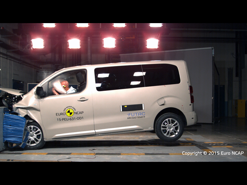 Peugeot Traveller  - Frontal Offset Impact test 2015