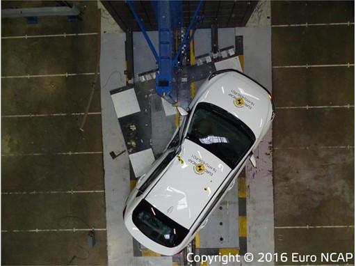 Hyundai Ioniq - Pole crash test 2016 - after crash