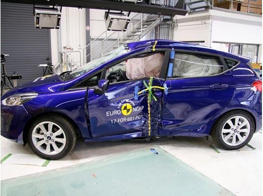 Ford Fiesta - Pole crash test 2017 - after crash