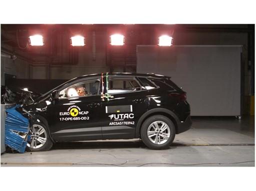 Opel/Vauxhall Grandland X - Frontal Offset Impact test 2017