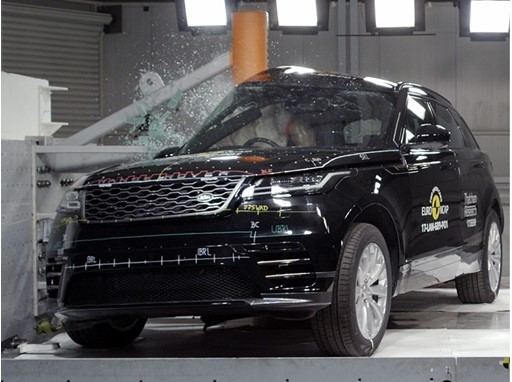 Range Rover Velar - Pole crash test 2017.