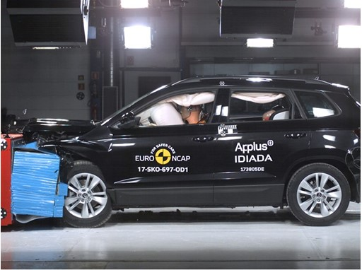 Skoda Karoq - Frontal Offset Impact test 2017