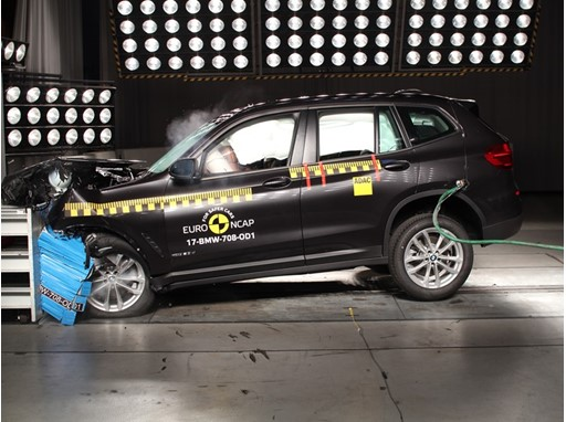 BMW X3 - Frontal Offset Impact test 2017