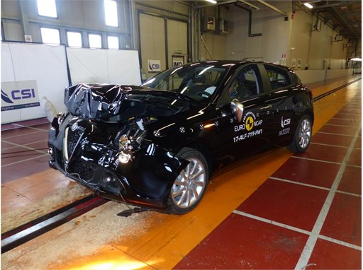Alfa Romeo Giulietta - Frontal Full Width test 2017 - after crash