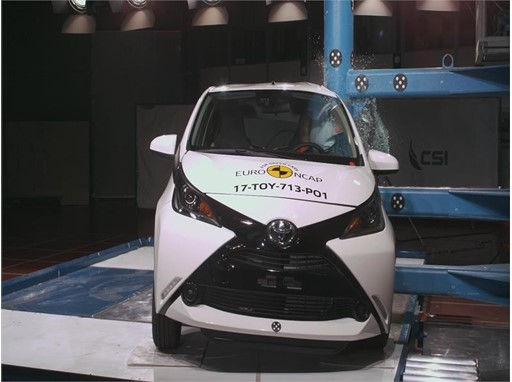 Toyota Aygo - Pole crash test 2017