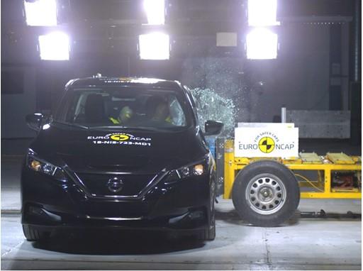 Nissan LEAF - Side crash test 2018