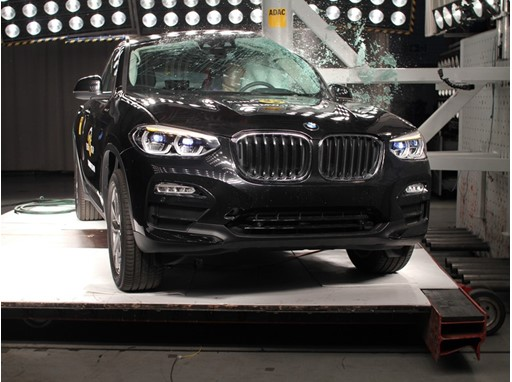 BMW X3-X4 - Pole crash test 2017