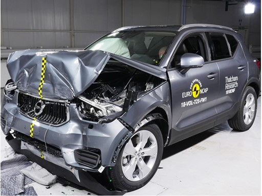 Volvo XC40 - Frontal Full Width test 2017 - after crash