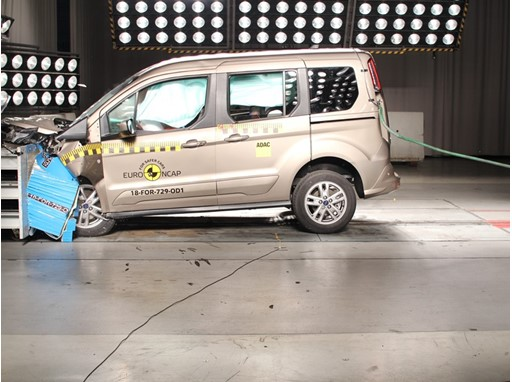 Ford Tourneo Connect - Frontal Offset Impact test 2018