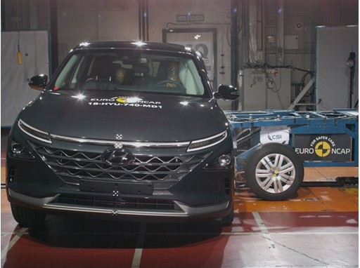 Hyundai NEXO - Side crash test 2018