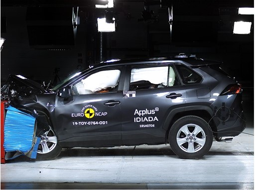 Toyota RAV4 - Frontal Offset Impact test 2019
