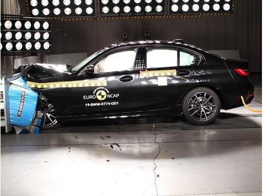 BMW 3 Series - Frontal Offset Impact test 2019