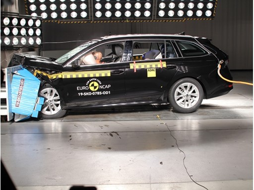 Škoda Octavia - Frontal Offset Impact test 2019