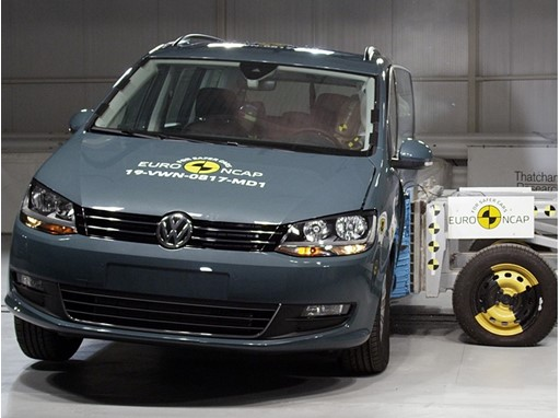 Volkswagen Sharan - Side crash test 2019