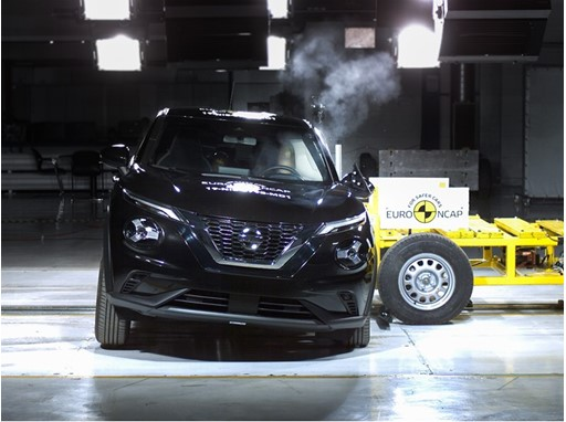 Nissan Juke - Side crash test 2019