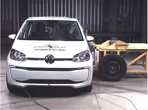 Volkswagen up! - Side crash test 2019