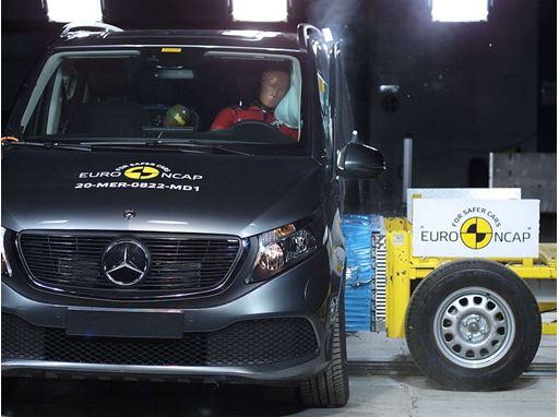 Mercedes-Benz EQV - Side crash test 2014