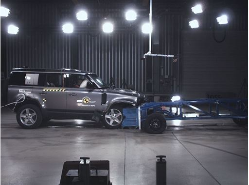 Land Rover Defender - Mobile Progressive Deformable Barrier test 2020