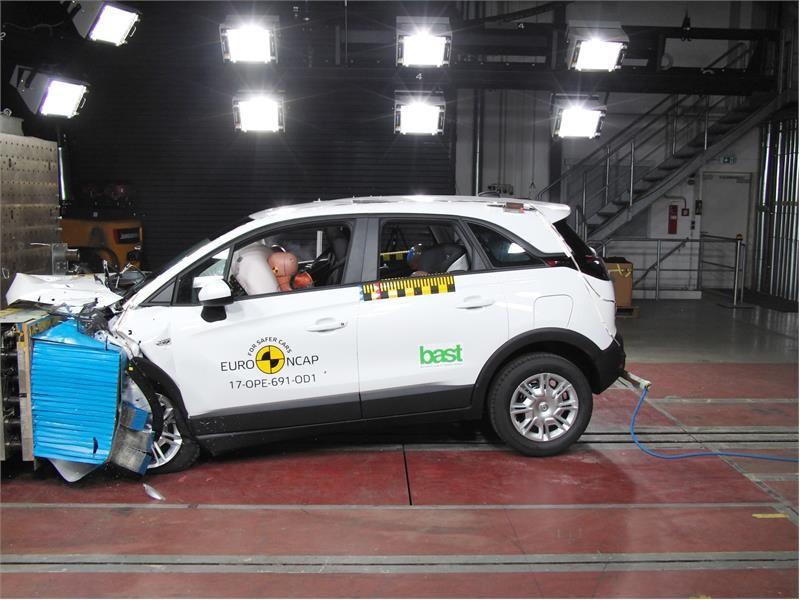 Euro NCAP Newsroom : Opel/Vauxhall Crossland X - Euro NCAP ...