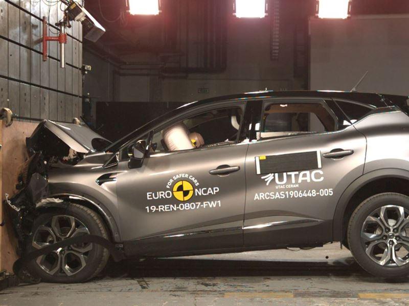 Renault Captur - Frontal Full Width test 2019