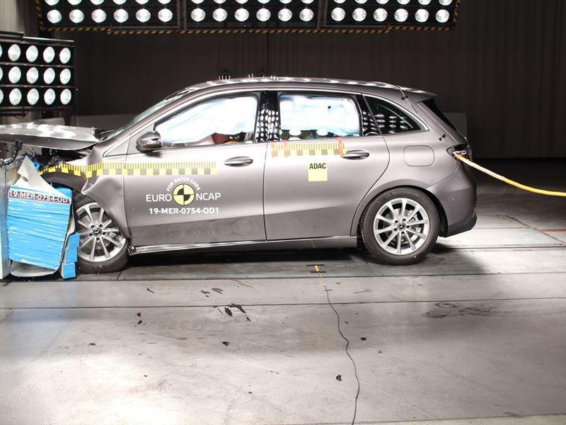 Mercedes-Benz B-Class - Frontal Offset Impact test 2019