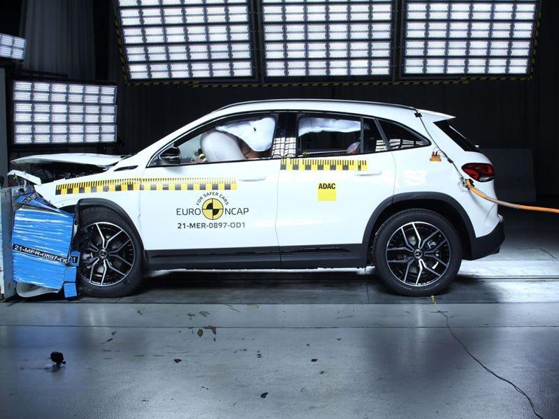 Mercedes-EQ EQA - Frontal Offset Impact test 2019