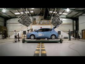Preparation & test of the Nissan LEAF, 1st EV reaching Euro NCAP 5 stars