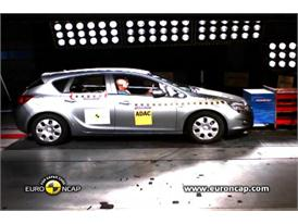 Opel/Vauxhall Astra -  Euro NCAP Results 2009