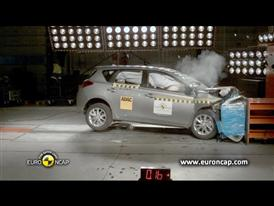 Toyota  Auris - Crash Tests 2013