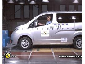 Nissan Evalia - Crash Tests 2013