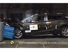 Mazda 3 - Crash Tests 2013