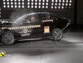 Mercedes C-Class - Crash Tests 2014 - with captions