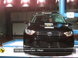 VW Golf Sportsvan - Crash Tests 2014 - with captions