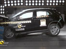 Mercedes-Benz GLA-Class - Crash Tests 2014