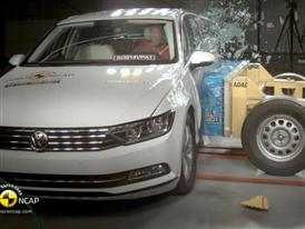 Volkswagen Passat - Crash Tests 2014