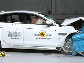 Jaguar XE - Crash Tests 2015