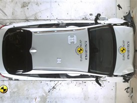 Toyota Prius - Crash Tests 2016
