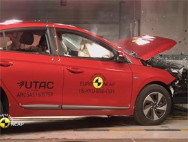 Hyundai Ioniq - Crash Tests 2016