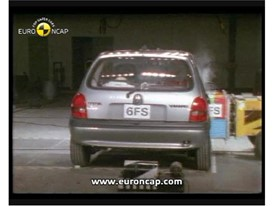 Crash test video Opel Corsa 1997